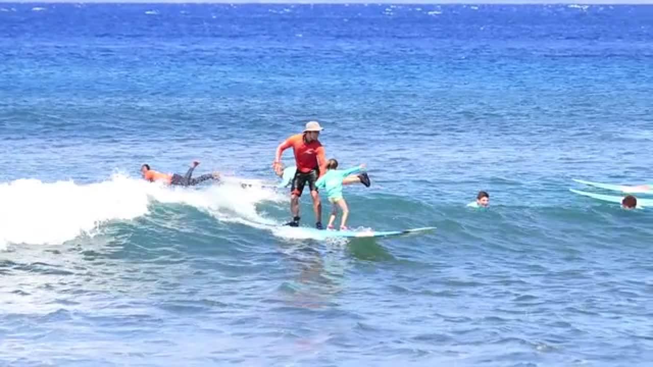 Aubrey Tandem Surfing
